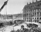 16 мая в 1870 году по решению Парижской Коммуны была снесена знаменитая Вандомская колонна