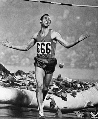 14 мая в 1942 году родился легендарный спортсмен Валерий Брумель